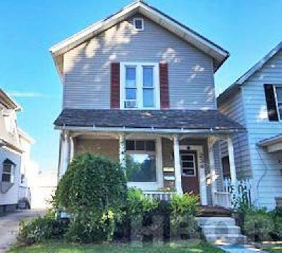 Fostoria Single Family Home For Sale: 234 W Center St.