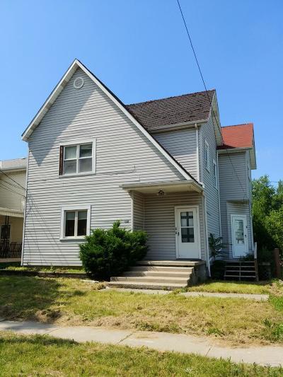 Single Family Home For Sale: 128 W McKibben