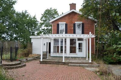 Fostoria Single Family Home For Sale: 685 S Us 23