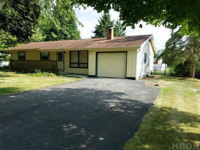 Fostoria Single Family Home For Sale: 1427 Morningside Dr.
