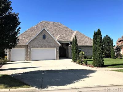 Single Family Home For Sale: 8398 Lakeside Dr