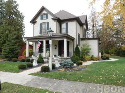 Findlay Single Family Home For Sale: 528 Center St