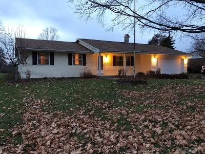 Fostoria Single Family Home For Sale: 2437 Courtly