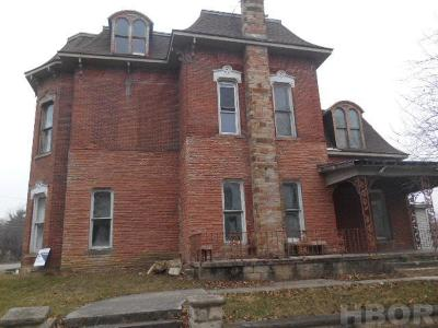 Fostoria Single Family Home For Sale: 503 N Main St