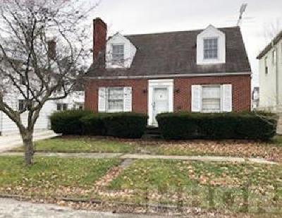 Fostoria Single Family Home For Sale: 223 Summit St.