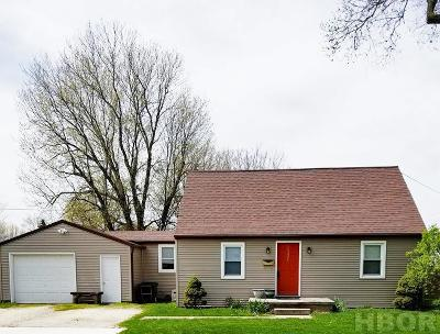 Fostoria Single Family Home For Sale: 1021 Central Ave.