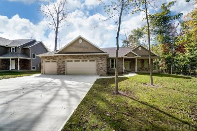 Findlay Single Family Home For Sale: 16149 Forest Ln