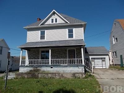 Single Family Home For Sale: 121 N Cherry St