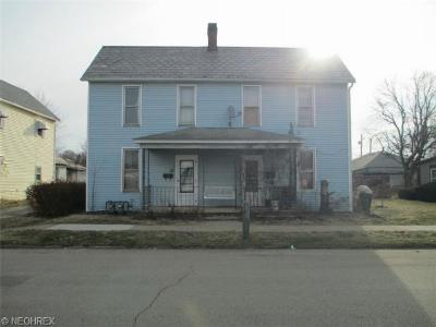 Guernsey County Single Family Home For Sale: 609 South 9th St