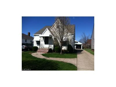 Parma Single Family Home For Sale: 6610 Renwood Dr
