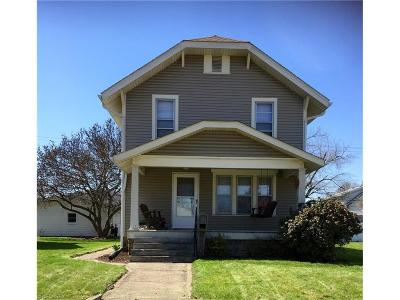 Single Family Home Sold: 726 South Broadway St