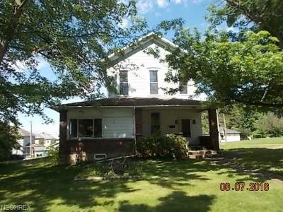 Guernsey County Single Family Home For Sale: 715 Clark St
