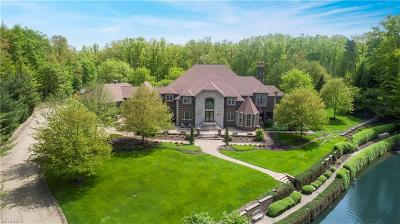 Brecksville Single Family Home For Sale: 9755 Reserve Run