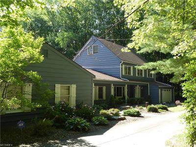 Chesterland Single Family Home For Sale: 13121 Heath Rd