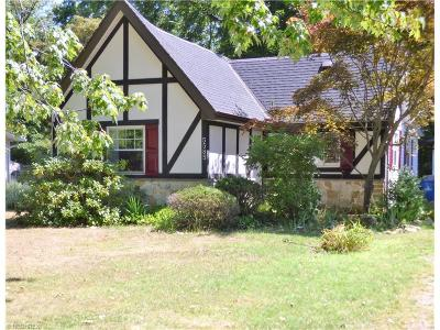 Single Family Home Sold: 5585 Walnut St