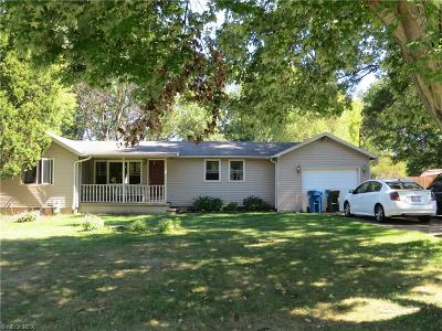 Lorain County Single Family Home For Sale: 5541 Virginia Dr