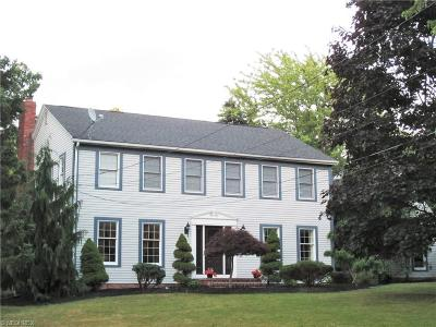 Mentor Single Family Home For Sale: 7555 Hobby Horse Ln