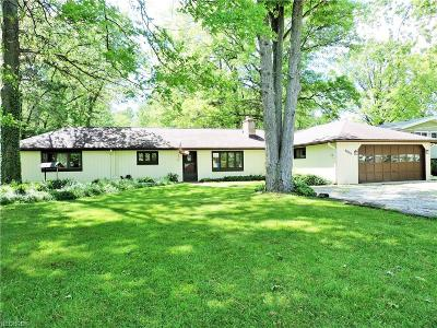 North Olmsted Single Family Home For Sale: 6006 Mackenzie Rd