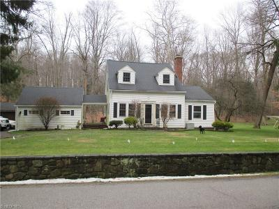 Gates Mills Single Family Home For Sale: 512 Riverview Rd