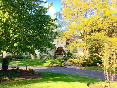 Gates Mills Single Family Home For Sale: 803 Meadowview Ln
