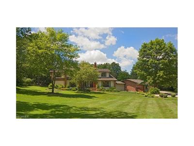 Pepper Pike Single Family Home For Sale: 12 Hunting Hollow Dr
