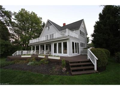 Mentor-On-The-Lake Single Family Home For Sale: 7495 Salida Rd