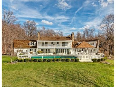 Gates Mills Single Family Home For Sale: 1220 Fox Hill Dr
