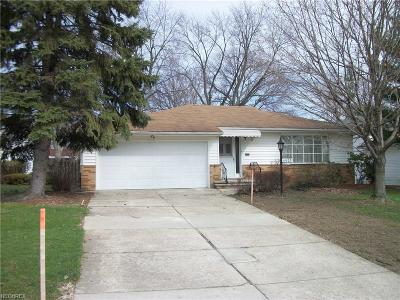 Bedford Heights Single Family Home For Sale: 6005 Marra Dr
