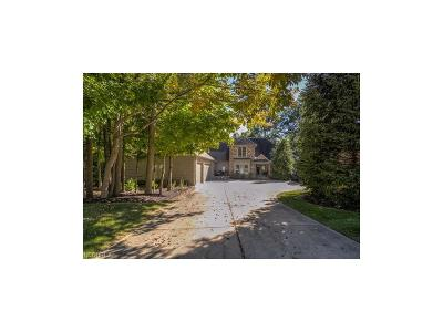 Gates Mills Single Family Home For Sale: 781 Village Cir