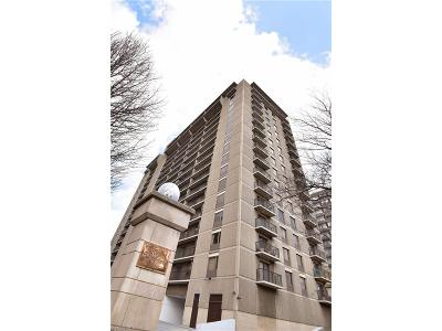 Bay Village, Cleveland, Lakewood, Rocky River, Avon Lake Condo/Townhouse For Sale: 12500 Edgewater Dr #1004