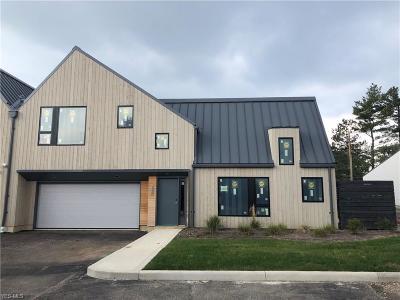 Beachwood Single Family Home For Sale: 2400 Richmond Rd #8