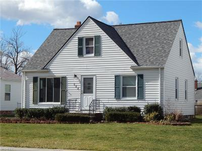 Willowick Single Family Home For Sale: 584 East 300th St