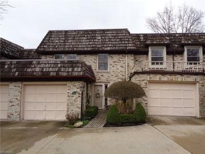 Rocky River Condo/Townhouse For Sale: 1139 Harwich Ct #204