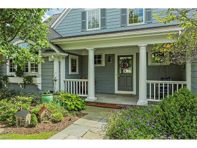 Chagrin Falls Condo/Townhouse For Sale: 17425 Beech Grove Trl