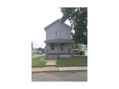 Single Family Home Sold: 142 Poplar Ave Northwest
