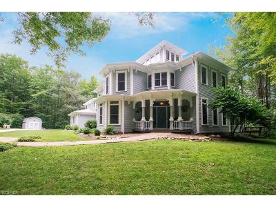 Russell Single Family Home For Sale: 9077 Kinsman Rd