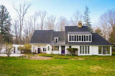 Chagrin Falls Single Family Home For Sale: 339 Bentleyville Rd