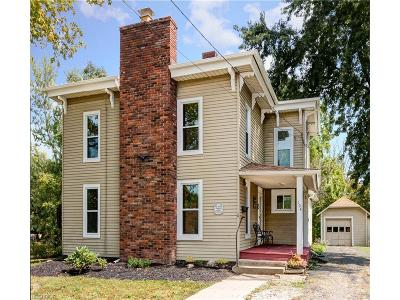 Chardon Single Family Home For Sale: 104 North St