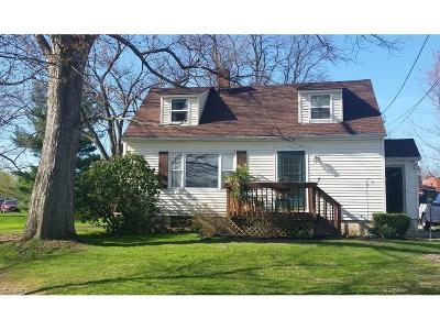 Burton Single Family Home For Sale: 13760 Carlton St