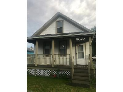 Single Family Home For Sale: 3027 Wade Ave