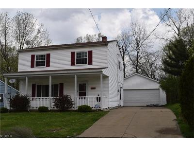 Painesville Single Family Home For Sale: 465 Hawkins