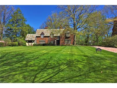 Shaker Heights Single Family Home For Sale: 19915 South Park Blvd