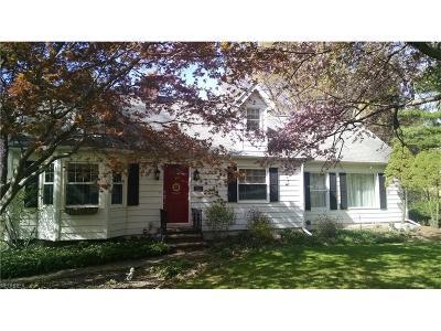 Burton Single Family Home For Sale: 13510 Kinsman Rd