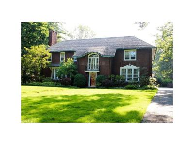 Shaker Heights Single Family Home For Sale: 2685 Endicott Rd