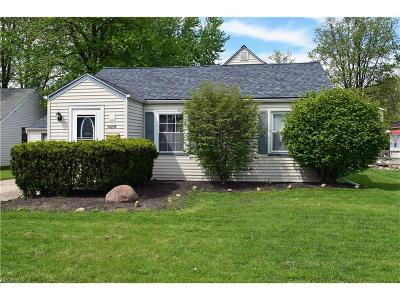Eastlake Single Family Home For Sale: 34857 Roberts Rd