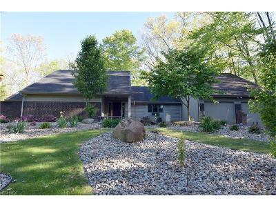 Warren Single Family Home For Sale: 700 Hidden Valley Dr
