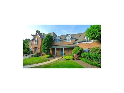 Pepper Pike Single Family Home For Sale: 2572 Cedarwood Rd