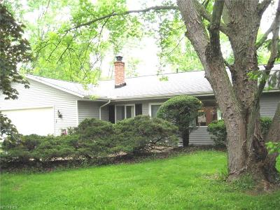 Valley City Single Family Home For Sale: 2790 Marks Rd