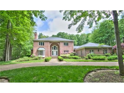Gates Mills Single Family Home For Sale: 440 Hawthorne Farms