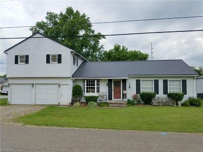 Uhrichsville OH Single Family Home For Sale: $109,900